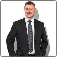 Broker image rounded 800x800px chris hegney web
