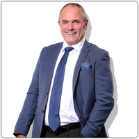 Broker image rounded john peterson web professional
