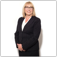 Broker image rounded liza richardson   professional   web photo