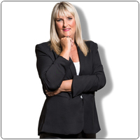 Broker image rounded michelle proundfoot   professional photo   web
