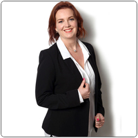 Broker image rounded debbie reed web professional